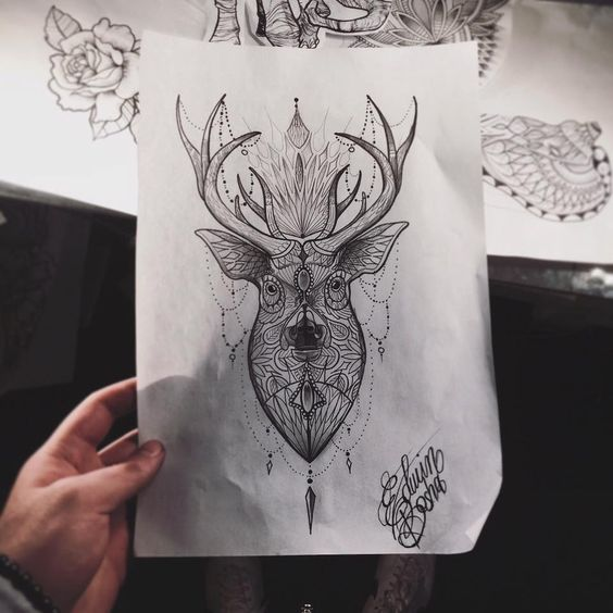 Cervo mandala con pendagli, tatuaggio cervo, cervo tattoo, deer tattoo sketch mandala, ornamental draw by Edwin Basha