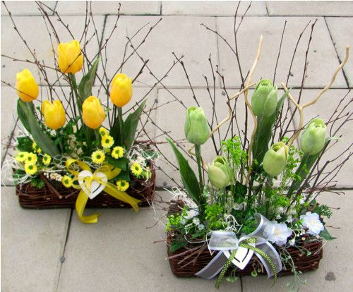 Jarni Tulipanova Dekorace Do Zluta Sleva Z 288kc Zbozi Prodejce Moana Floristika Fler Cz Easter Flower Arrangements Easter Wreath Diy Spring Easter Decor