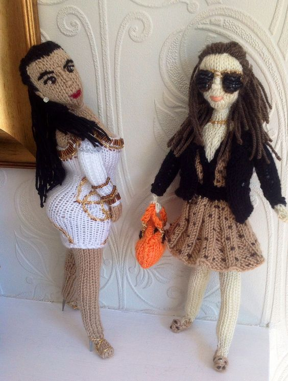 Fun! @KD Eustaquio Kardashian meets Pippa Middleton (@Philippa Taylor Middleton) by The @KnittingWitchUK #knit #knitting