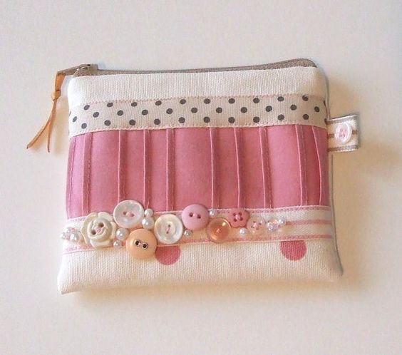 Cream and Rose Pink Coin Purse by nataliefarrell on Etsy, $16.50