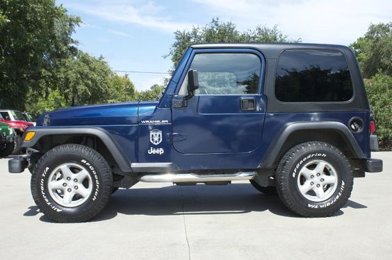 patriot blue 2002 wrangler x only 83k miles automatic hard top. Black Bedroom Furniture Sets. Home Design Ideas