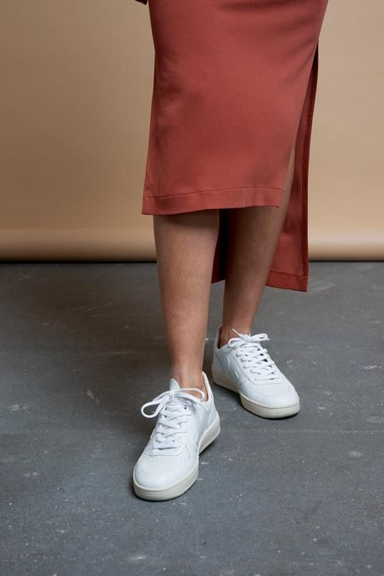 White shoes outfit, Sneaker outfits women