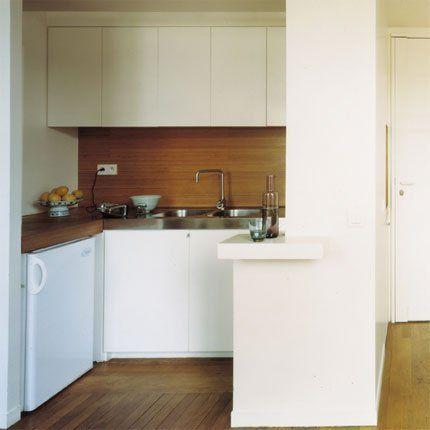 Une petite cuisine dynamisante cubes plan de travail for Mini cuisine americaine