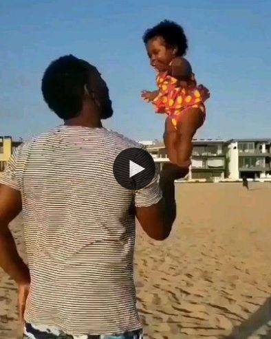 Essa criança e´muito equilibrada vai ser atleta.