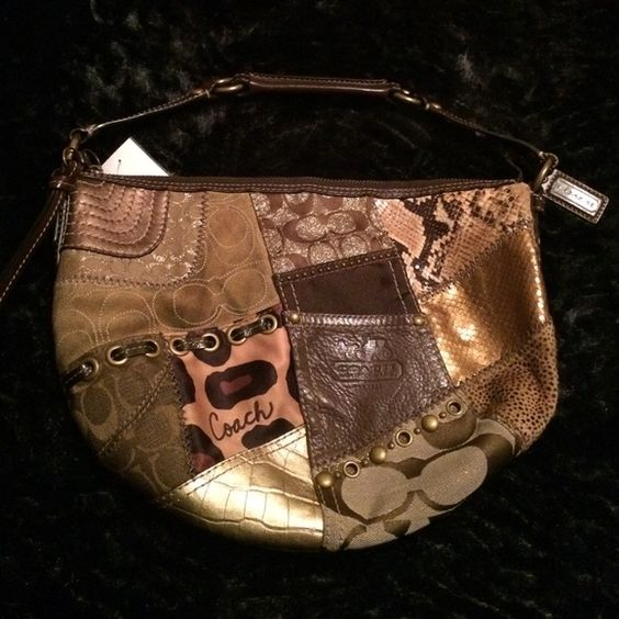 Coach Patchwork Hobo Bag Coach Patchwork Hobo Bag. This purse has lots of patterns and is in fabulous condition. Ya super awesome because you have the best of all worlds. It's completely authentic and ready to be used. Inside is clean with no marks. Cheaper on Ⓜ️. No trades and bundle to save! Coach Bags Hobos