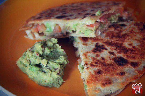 Quesadilla con formaggio, pollo e pomodoro fresco! http://z4p.in/R0FDNH Ricettepercucinare.com