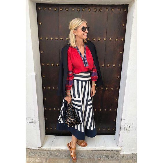 ❤️A perfect duo 💙 - - - - #red #cotton #silk #embroidered #antigua #tunic @etoilecoral via @lemoni_store #striped #highwaist #skirt…