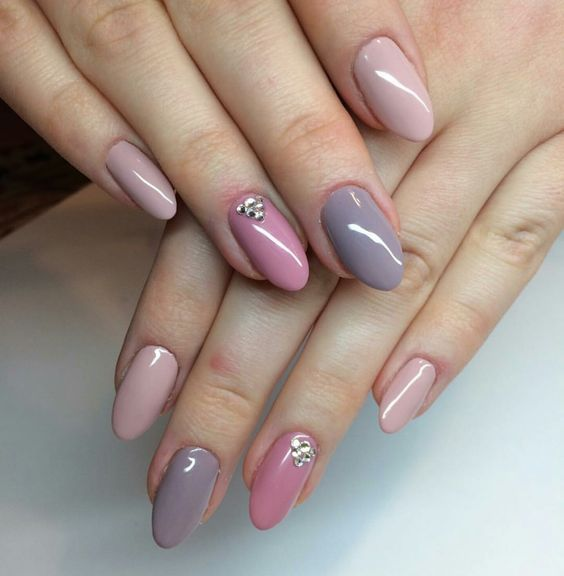 46 Short Round Acrylic Nails Art Designs