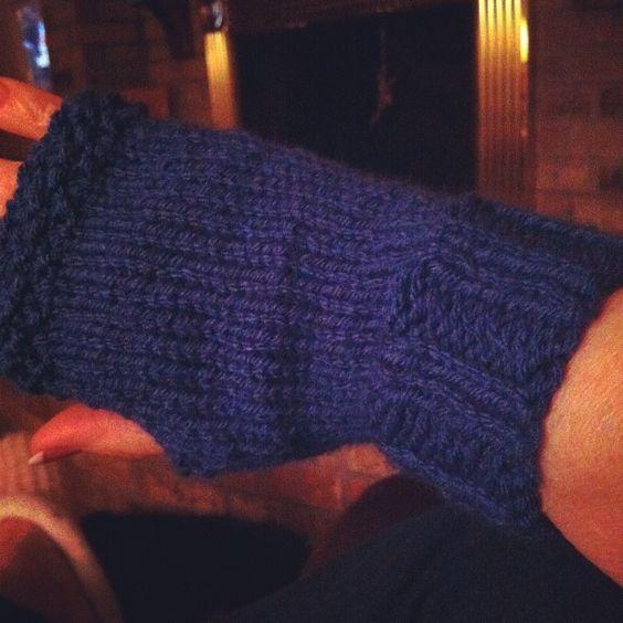 pretty knit fingerless gloves