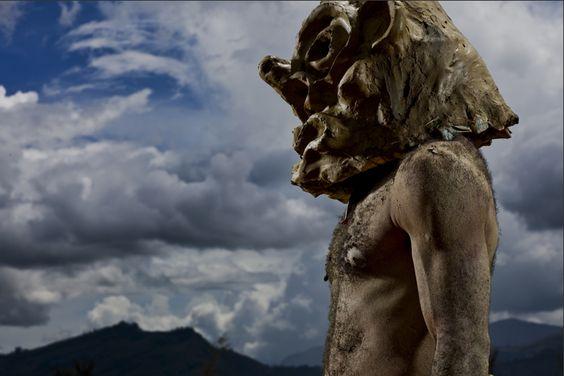 """""""Papua New Guinea – A Culture in Transition""""  Uno de los álbumes menos duros de Brent Stirton."""