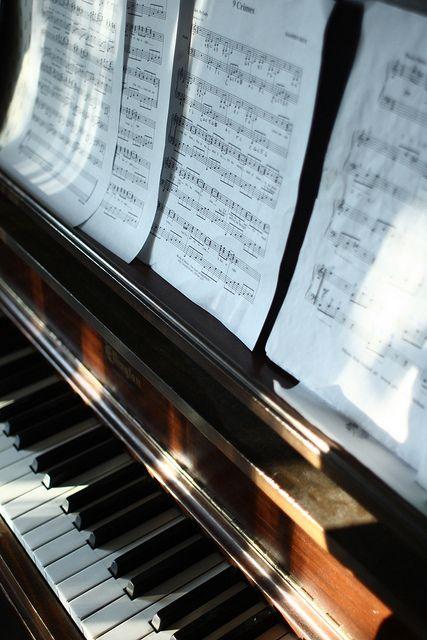 Mikor hallgass komolyzenét?