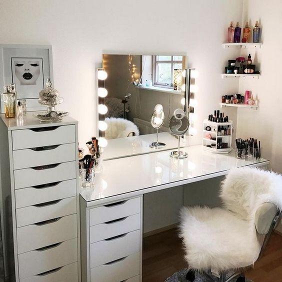 27 Diy Makeup Room Ideas Organizer Storage And Decorating Molitsy Blog Vanity Inspiration Makeup Room Decor Bedroom Vanity