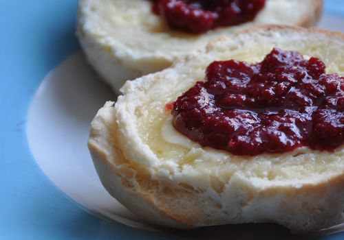 fresh buns and jelly