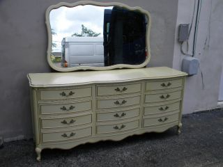French Bedroom Furniture on French Painted Triple Dresser With Mirror By Dixie 1484 Photo