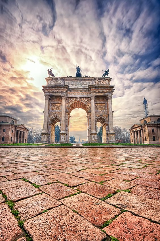 Porta Sempione, Milan, Italy. Check out 10 tips for traveling in Milan at TheCultureTrip.com! [ Vapor-Hub.com ]