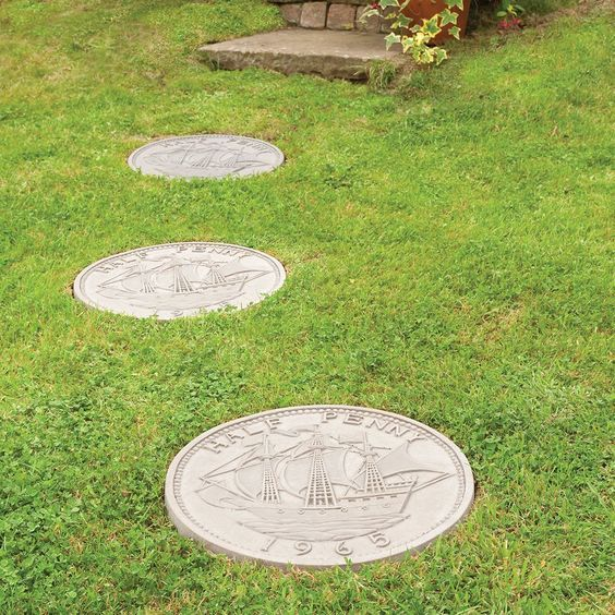Half Penny Autumn Brown Stepping Stone Departments Diy At B Q Garden Stepping Stones Diy Stepping Stones Stone Decor