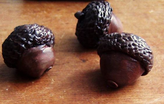 Clay-crafted acorns http://whatpennymade.tumblr.com