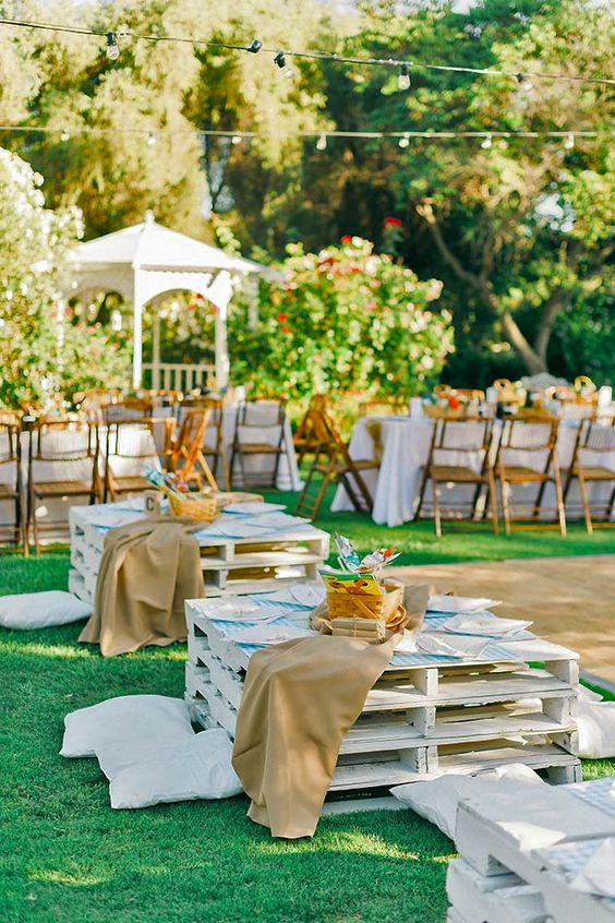 Wedding for kids and hippies on pinterest for Outdoor table decorating ideas