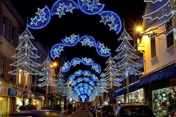 Lumières de Noël à Montbeliard by Jean Nicolet on 500px