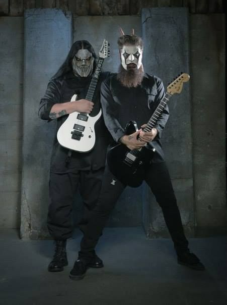 mick thomson and jim root the two most awesomest people ever! °_°