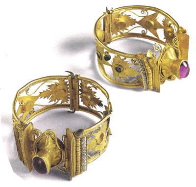 Pair of Gold Bracelets with Cut Out Wine Leaves, Garnets, Amethyst and Enamel. Palaiokastro, Thessaly. c. 1st Century BC