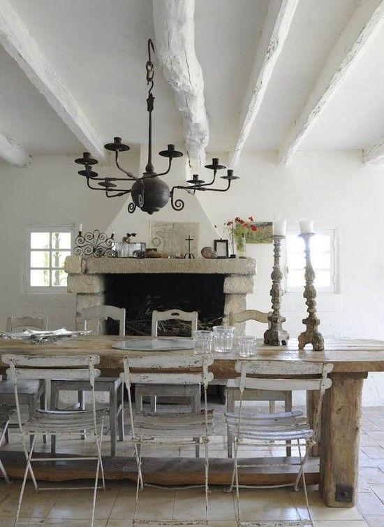 Massiver holztisch esszimmer einrichtung rustikalem design ...