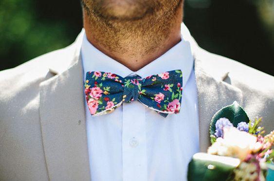 vlinderdas in je huwelijks outfit