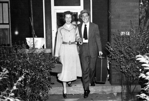 Gene Kellyand wife Betsy Blair at the Wilkinsburg home of the Kelly parents.
