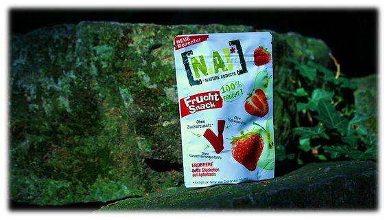 N.A! Frucht Snack Erdbeere, kleine fruchtige Erdbeerstücke im Pocketormat und für den Snack zwischendurch: http://www.brandnooz.de/products/n-a-frucht-snack-erdbeere