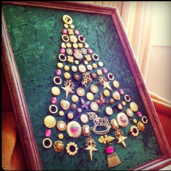 Button Christmas Trees: Christmas Tree Made Of Vintage Buttons And Pins
