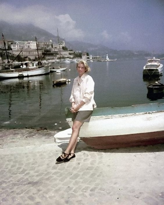 Grace on location for To Catch a Thief (1955)