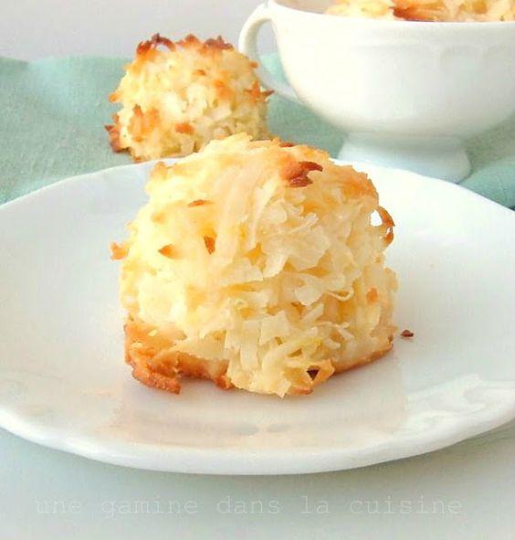 Lemon Coconut Macaroons | une Gamine dans la Cuisine