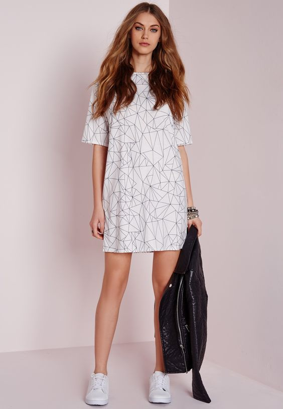 Missguided - Short Sleeve Line Print T-Shirt Dress White/Black