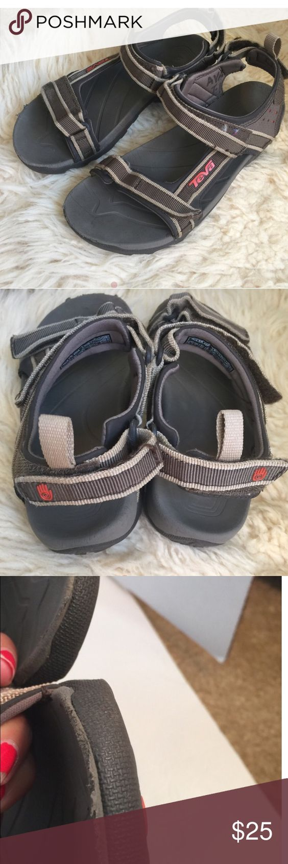 Teva Kids Sandal an 6095 size 4 Teva Kids Sandal an 6095 size 4 excellent condition with the exception of the FRONT see photo little peel. Expensive quality sandals at a fraction of the price. Teva Shoes Sandals & Flip Flops