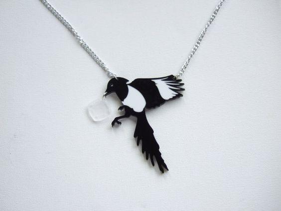 Collar de Picaza Urraca de metacrilato negro con por 2CraftyKittens