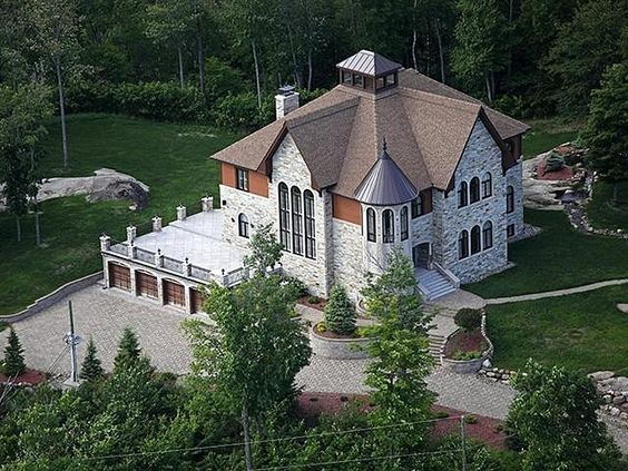 Canada | Homes of the Rich