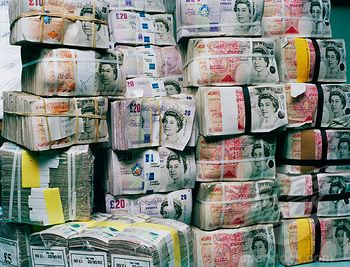 Money Stacks Pounds | Stacks of British currency in blocks of a thousand notes, various ...