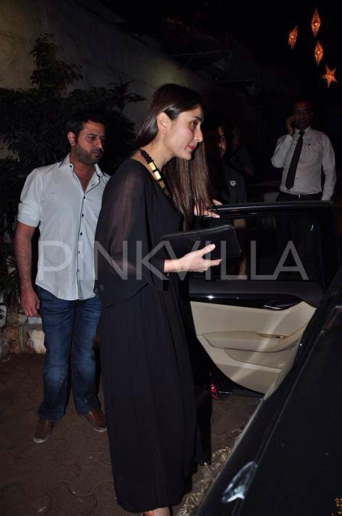 Kareena Kapoor Khan was spotted outside a popular bistro in Mumbai along with producer-director Vidhu Vinod Chopra and wife, film critic Anupama Chopra.