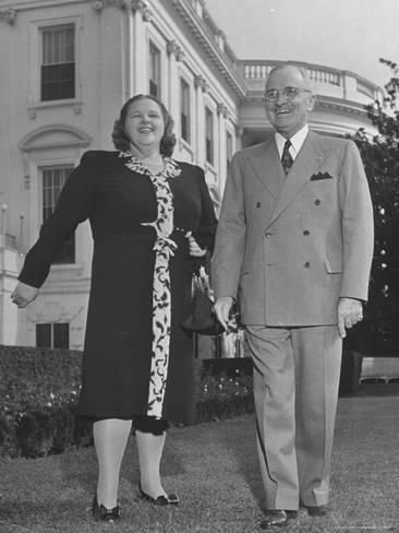 Photographic Print: Harry S. Truman Standing Outside White House with Singer Kate Smith by George Skadding : 24x18in