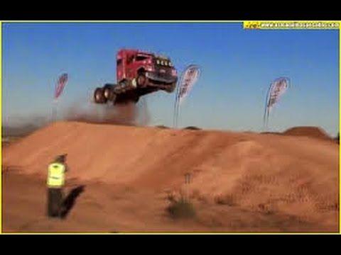 Truck # Olha O Que Esse Piloto Faz_Olha O Salto Na Rampa