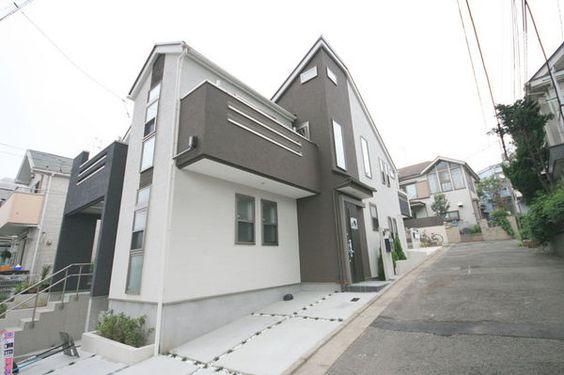 futuristic house at 大田区東馬込  http://smatan.jp/sc/ad:140.tp:2.html