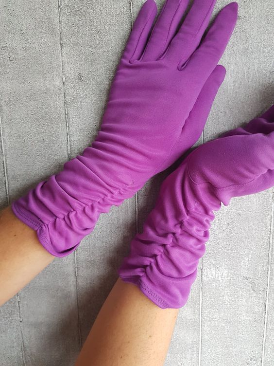 Short Purple Pretty Gloves With Ruffles Striking by RotatingHouse