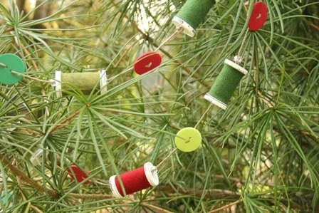 Thread Spool and Button Garland - sewing themed Christmas decor -   Crafty Staci