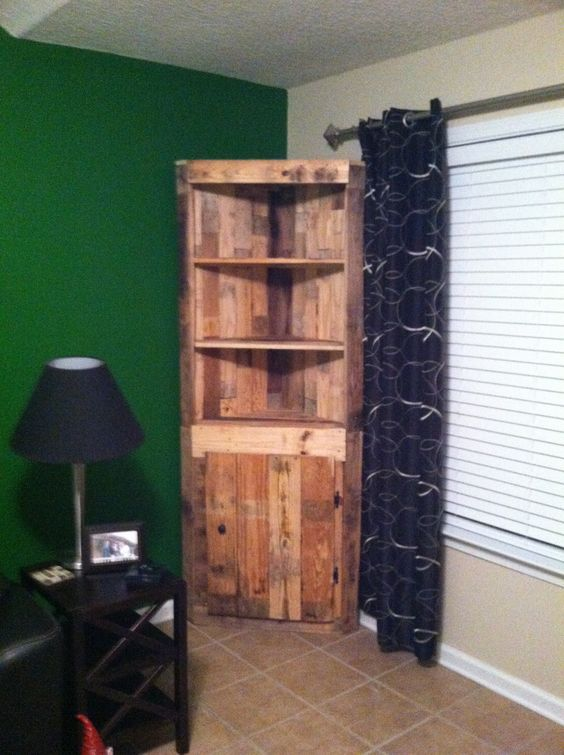 A corner pallet cabinet hutch made out of pallets http for Making cabinets out of pallets