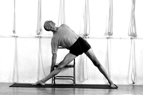 utthita trikonasana  yoga  chair  pinterest