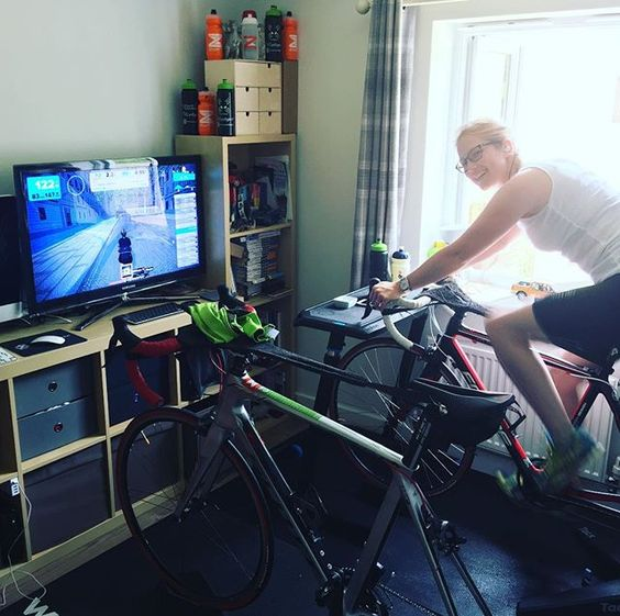 Nothing like a morning @gozwift - even if you have to set the alarms early in order to beat the heat ☀️with @amyshorephotography (someone wants to unlock her @assosofswitzerland #zwiftmission jersey - set #fans to freeze Mr Sulu! ❄️#rideon #zwift #summersun #indoorcycling #ride #bike #cycle #cycling #trainingday #training #londoncourse