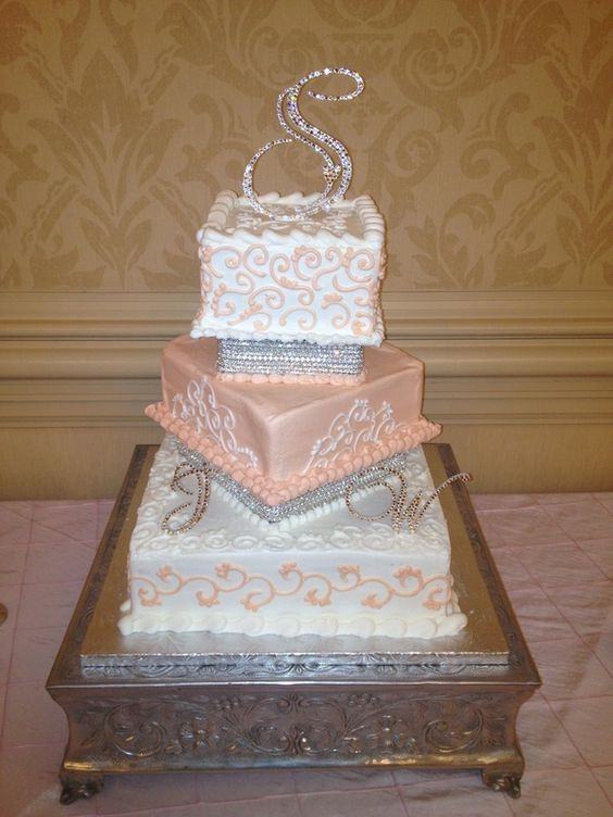 square wedding cakes with bling square wedding cakes bling and wedding cakes on 20416