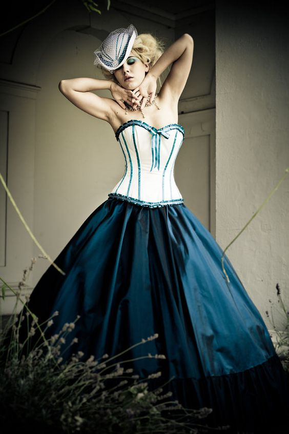 Alternative wedding dresses victorian corset and for Victorian corset wedding dresses