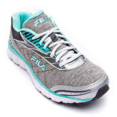 <p>Take your everyday training to new comfort and performance levels with our Fila Memory Cloak 2 running shoes designed with a Coolmax