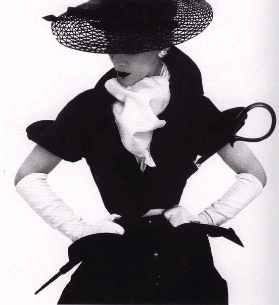 Lisa Fonssagrives, vogue, 1950:
